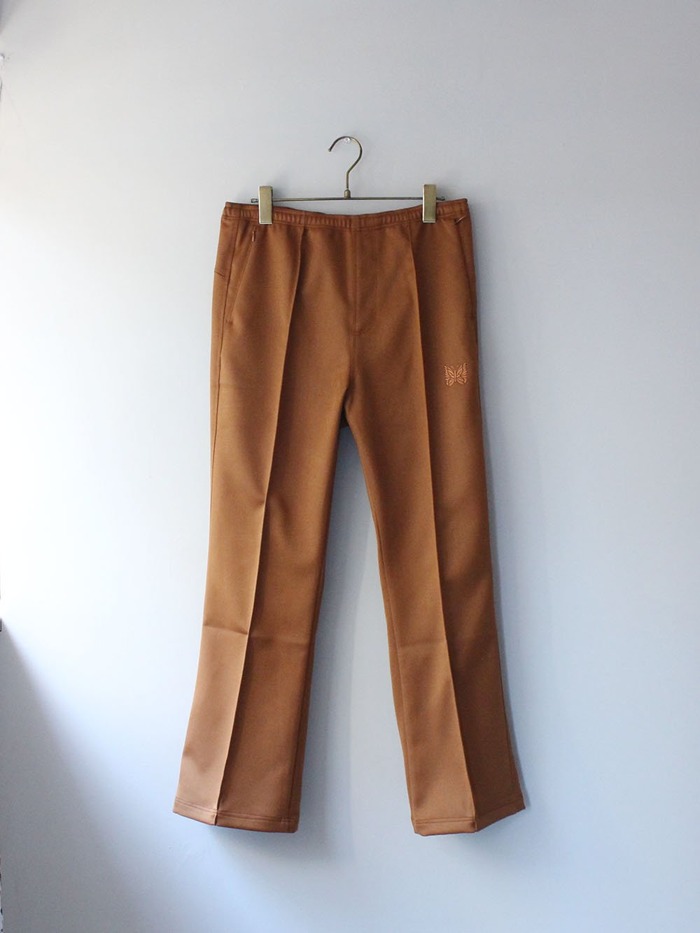 """<img class='new_mark_img1' src='https://img.shop-pro.jp/img/new/icons8.gif' style='border:none;display:inline;margin:0px;padding:0px;width:auto;' />Needles """" W.U. BOOT-CUT PANT - PE/R DOESKIN (BROWN)"""""""