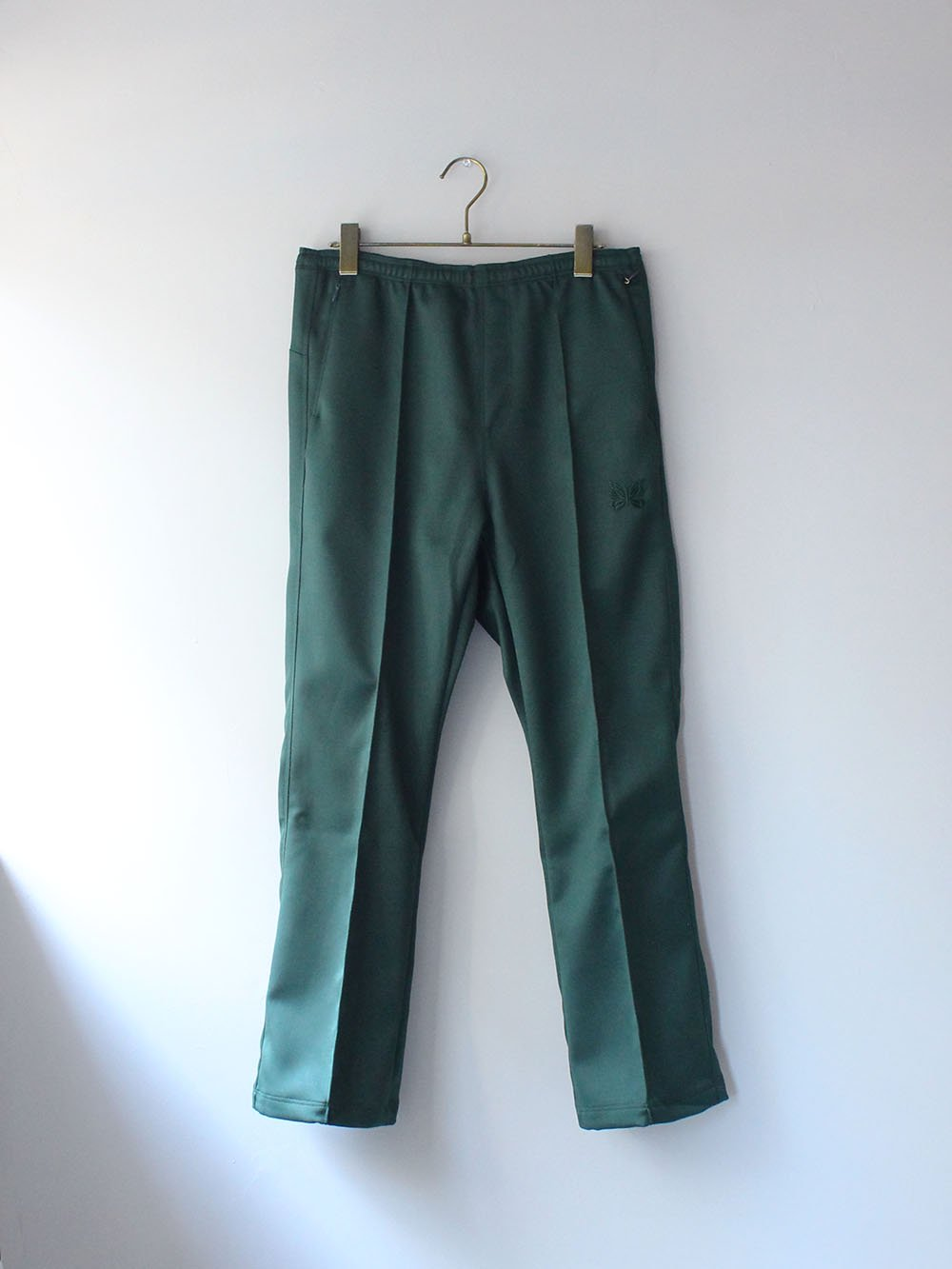 """<img class='new_mark_img1' src='https://img.shop-pro.jp/img/new/icons8.gif' style='border:none;display:inline;margin:0px;padding:0px;width:auto;' />Needles """" W.U. BOOT-CUT PANT - PE/R DOESKIN (GREEN)"""""""