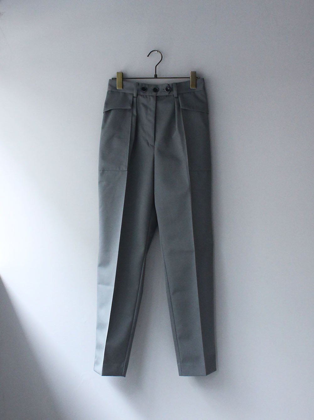 """<img class='new_mark_img1' src='https://img.shop-pro.jp/img/new/icons8.gif' style='border:none;display:inline;margin:0px;padding:0px;width:auto;' />FILL THE BILL"""" WOOL GABARDINE TROUSER (SHADOW BLUE)"""