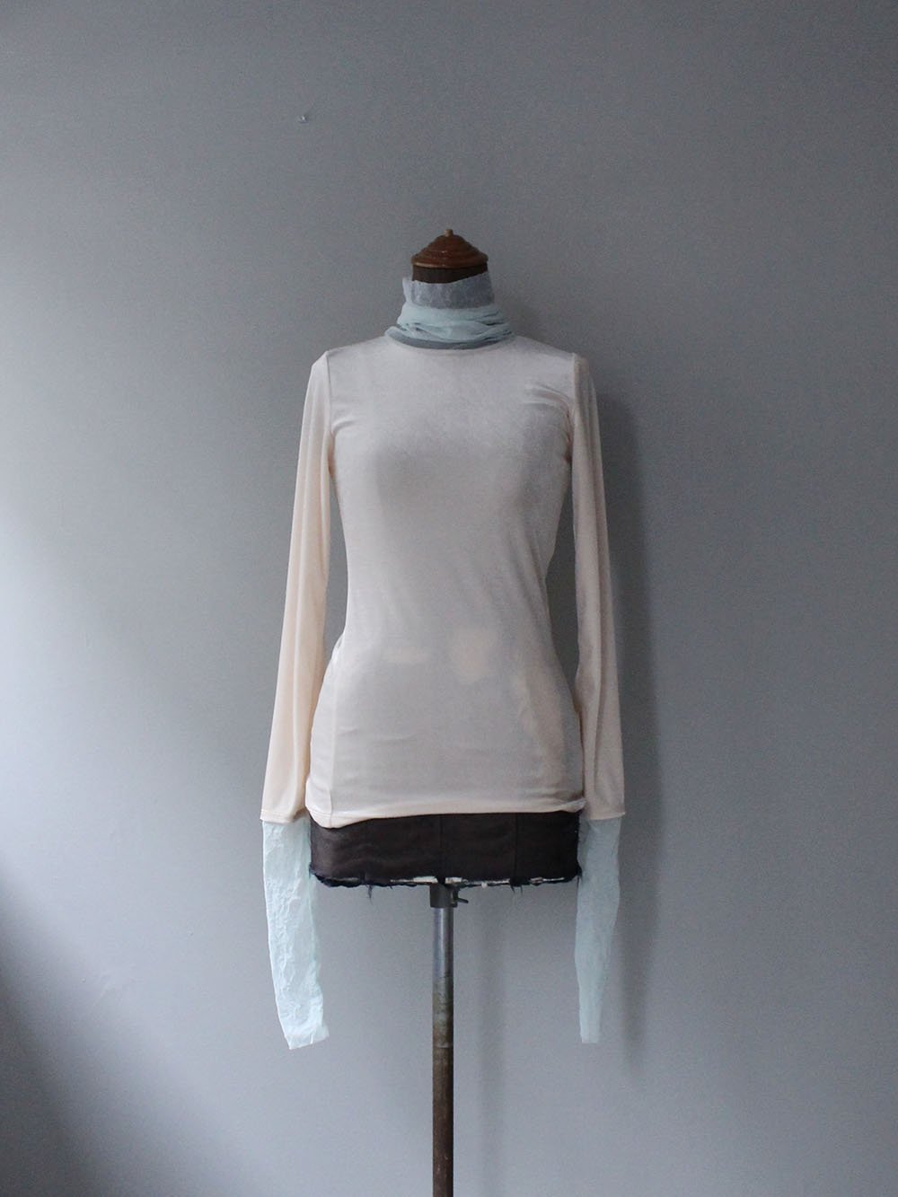 """<img class='new_mark_img1' src='https://img.shop-pro.jp/img/new/icons8.gif' style='border:none;display:inline;margin:0px;padding:0px;width:auto;' />FILL THE BILL"""" VELOR SHEER TURTLE NECK (IVORY × MIT GREEN)"""
