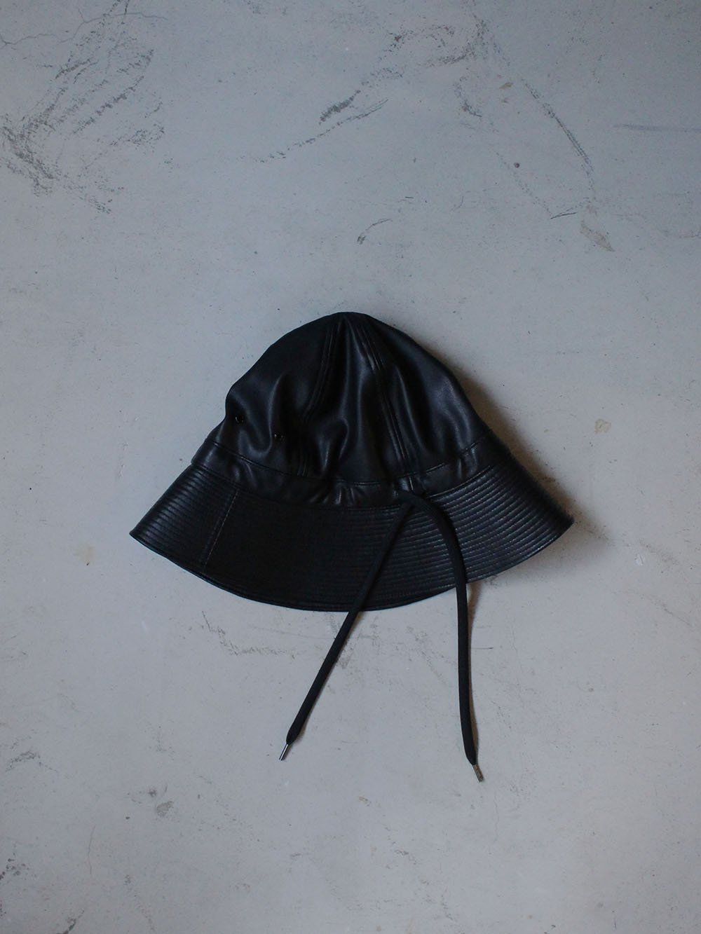 """<img class='new_mark_img1' src='https://img.shop-pro.jp/img/new/icons8.gif' style='border:none;display:inline;margin:0px;padding:0px;width:auto;' />FILL THE BILL"""" FAKE LEATHER MILITARY HAT (BLACK)"""