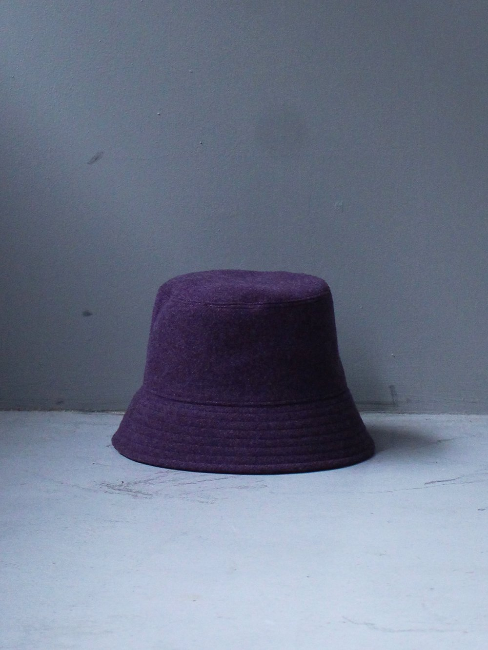 """<img class='new_mark_img1' src='https://img.shop-pro.jp/img/new/icons8.gif' style='border:none;display:inline;margin:0px;padding:0px;width:auto;' />UNUSED """" wool bucket hat (purple)"""""""