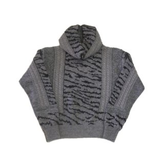 <img class='new_mark_img1' src='https://img.shop-pro.jp/img/new/icons16.gif' style='border:none;display:inline;margin:0px;padding:0px;width:auto;' />TOGA PULLA Jacquard knit pullover 2 トーガプルラ ジャカード ニットプルオーバー2