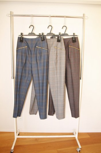 <img class='new_mark_img1' src='//img.shop-pro.jp/img/new/icons16.gif' style='border:none;display:inline;margin:0px;padding:0px;width:auto;' />TOGA PULLA Wool check tapered pants トーガ プルラ ウールチェックテーパードパンツ