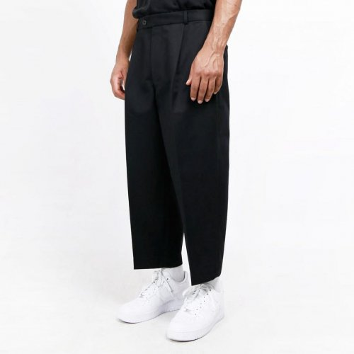 <img class='new_mark_img1' src='//img.shop-pro.jp/img/new/icons16.gif' style='border:none;display:inline;margin:0px;padding:0px;width:auto;' />LOWNN NEO PLEATED WIDE TROUSERS  ローン ネオ ワイドトラウザー