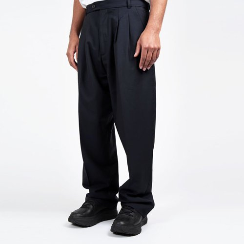 <img class='new_mark_img1' src='https://img.shop-pro.jp/img/new/icons16.gif' style='border:none;display:inline;margin:0px;padding:0px;width:auto;' />LOWNN CARTER BAGGY TROUSERS  ローン バギー トラウザー