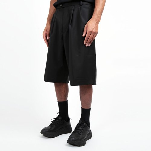 LOWNN IVER PLEATED SHORTS  ローン ショーツ