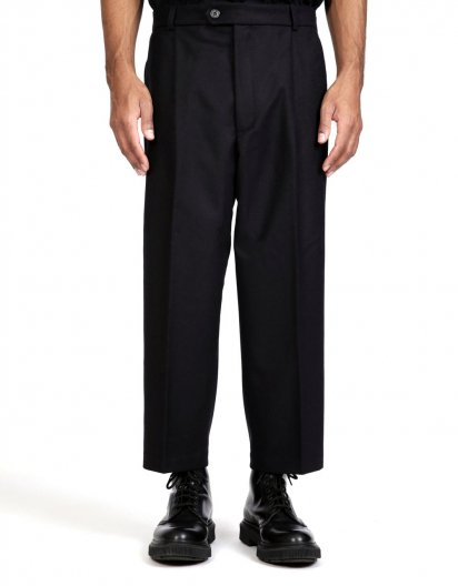 <img class='new_mark_img1' src='https://img.shop-pro.jp/img/new/icons16.gif' style='border:none;display:inline;margin:0px;padding:0px;width:auto;' />LOWNN NEO PLEATED WIDE TROUSERS  ローン ネオ ワイドトラウザー