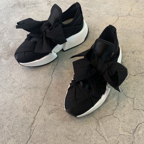 <img class='new_mark_img1' src='//img.shop-pro.jp/img/new/icons16.gif' style='border:none;display:inline;margin:0px;padding:0px;width:auto;' />MM6 MAOISON MARGIELA RIBBON SNEAKERS エムエム6 メゾンマルジェラ リボンスニーカー