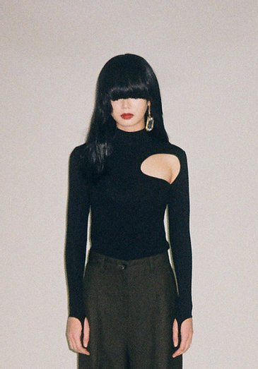 JOHN BLACK FITTED CUT-OUT TOP ジョン カットアウトトップ