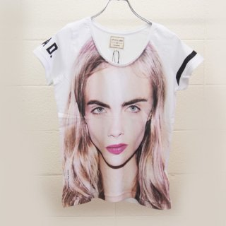 <img class='new_mark_img1' src='//img.shop-pro.jp/img/new/icons16.gif' style='border:none;display:inline;margin:0px;padding:0px;width:auto;' />ELEVEN PARIS WOMEN T-Shirts Cara Delevingne  イレブンパリ Tシャツ カーラ・デルヴィーニュ