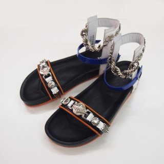 <img class='new_mark_img1' src='https://img.shop-pro.jp/img/new/icons16.gif' style='border:none;display:inline;margin:0px;padding:0px;width:auto;' />TOGA PULLA  METAL CHAIN SANDAL トーガ プルラ メタルチェーン サンダル