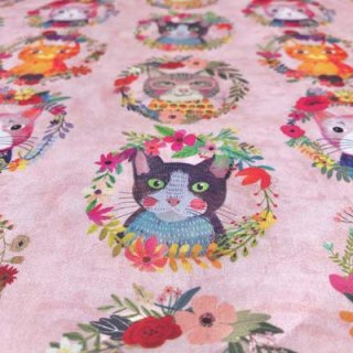 <img class='new_mark_img1' src='https://img.shop-pro.jp/img/new/icons11.gif' style='border:none;display:inline;margin:0px;padding:0px;width:auto;' />blend Mia Charro FLORAL PETS KITTY