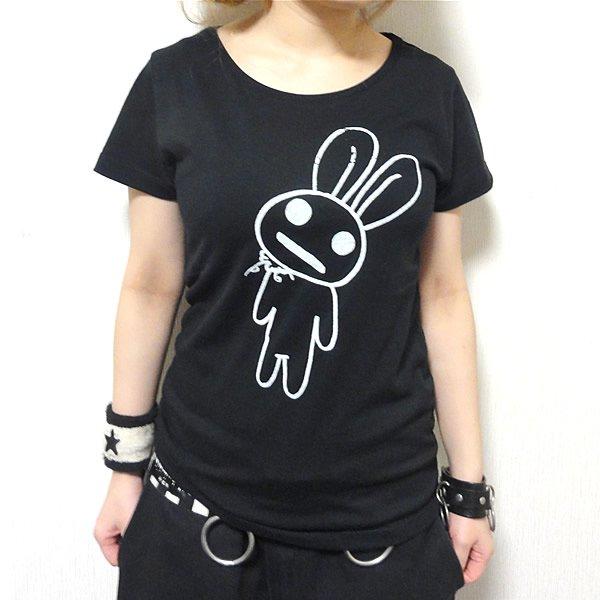 【首周り広め】ブラックかすれ耳うさぎ Tシャツ