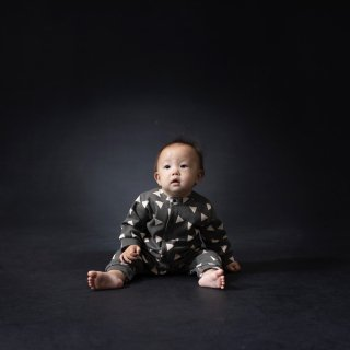 SPD  BABY COVERALL (▲CHARCOAL x IVORY)