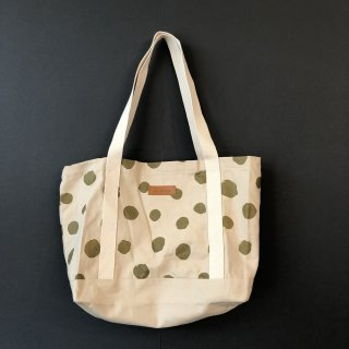<img class='new_mark_img1' src='https://img.shop-pro.jp/img/new/icons14.gif' style='border:none;display:inline;margin:0px;padding:0px;width:auto;' />THIS IS a DOT  TOTE BAG  (CREAM x GOLD)
