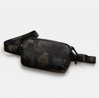 <img class='new_mark_img1' src='//img.shop-pro.jp/img/new/icons15.gif' style='border:none;display:inline;margin:0px;padding:0px;width:auto;' />QILO TACTICAL Convertible™ Pouch in Multicam Black