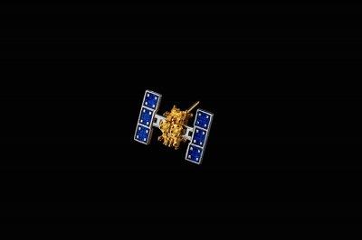 小惑星探査機はやぶさ2 ラペルピン/Satelite-U