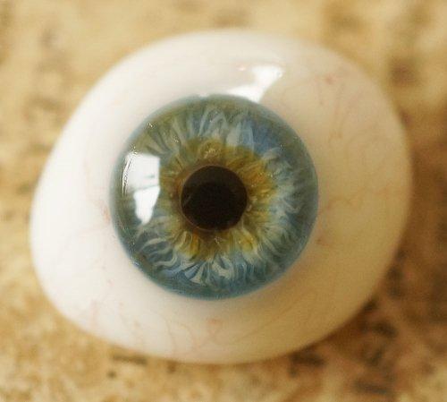 アンティーク・義眼(ドイツ・ラウシャ製/1890年頃)ヒビあり