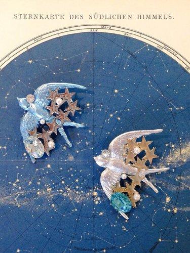 星渡り燕ブローチ