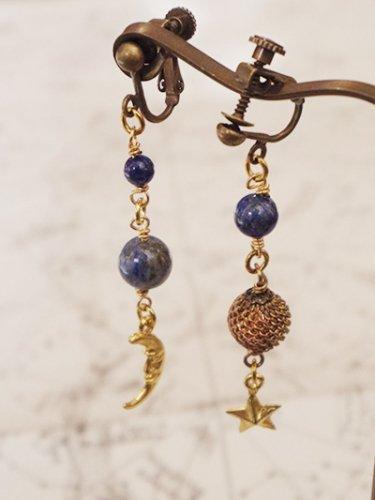 「砂漠の夜空の耳飾り」Beads no moto