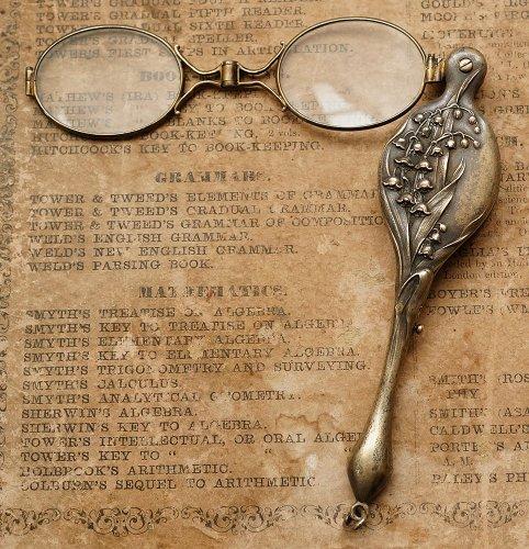 鈴蘭の折りたたみ式眼鏡