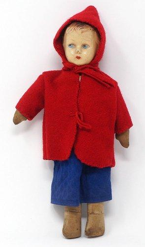 赤い服の女の子の人形