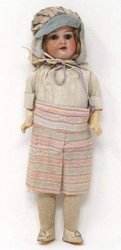 かわいい女の子の人形