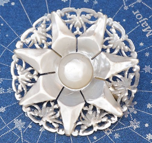 ベツレヘムの星/マザーオブパールのブローチ