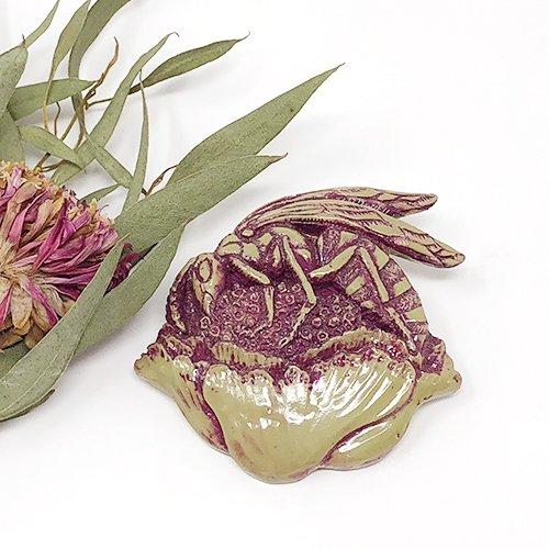 花蜜雀蜂ブローチ(グリーン)