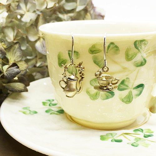 ポットとカップのピアス(真鍮)