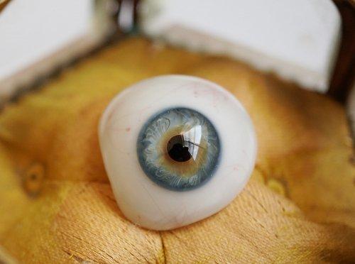 アンティーク・義眼(ドイツ1890年頃・ラウシャ製)