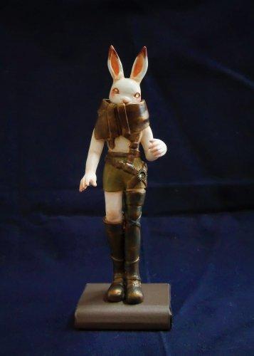 旅するウサギ/ 幻想紡ぎの屋根裏(3/1まで販売)