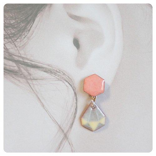 サンゴ六角形 ピアス/sorasido