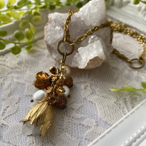 Beads no moto/鉱物のお花の2wayペンダント