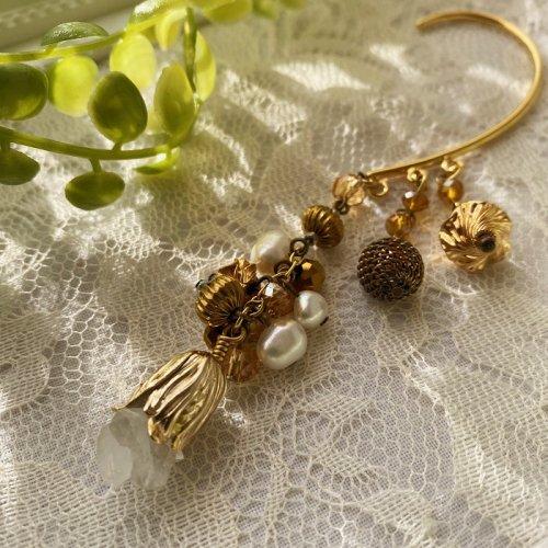Beads no moto/鉱物のお花のイヤーフック