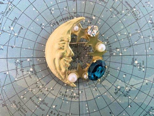 スパン社/三日月と星の環ブローチ