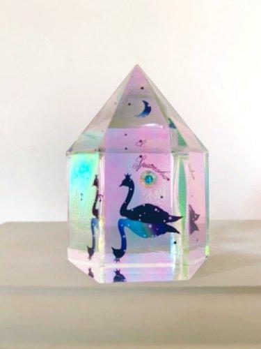 スパン社/水晶型樹脂オブジェ(オーロラ幻影・白鳥)