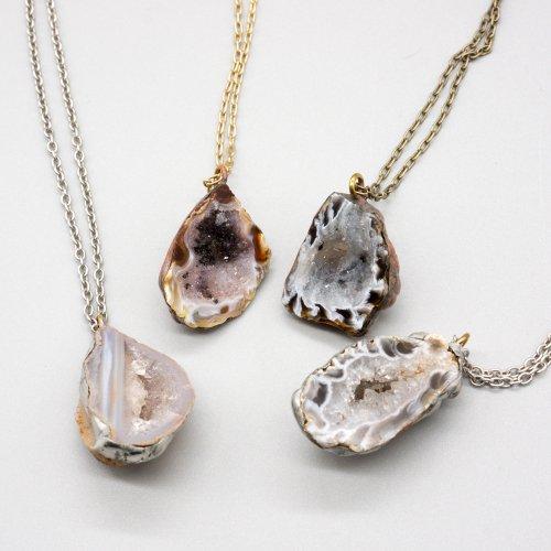 鉱物ネックレス/Beads no moto