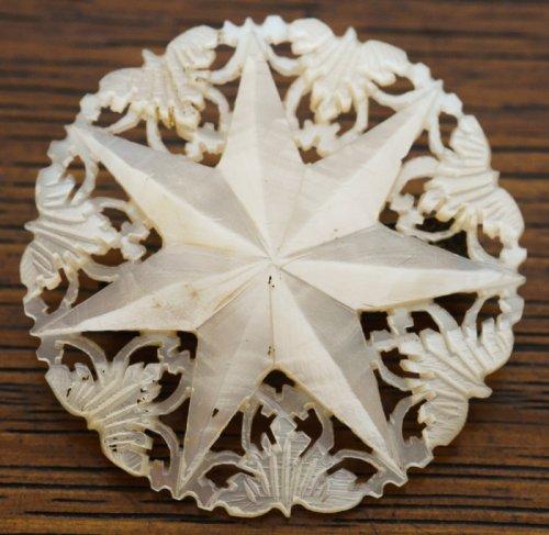 マザーオブパールのブローチ/ベツレヘムの星