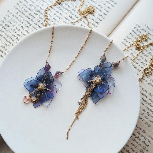 星降る夜の花ネックレス/空想刺繍店