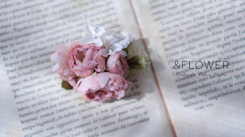 ピンクバラのコサージュ/&FLOWER