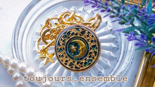 月を食べた日 バックチャーム/toujours_ensemble(8月8日21時-8月22日21時販売)