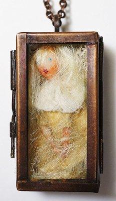doll box ペンダント