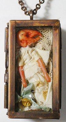 doll box ペンダント(born)