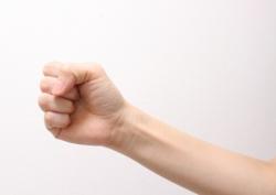 ボルダリングのトレーニングとして握力・腕力を鍛えるなら〜簡単にできる握力の鍛え方〜