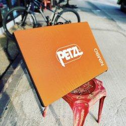 Petzl(ペツル) NIMBO(ニンボ) ※メインにはさみやすい硬め補助マット ※こだわりの防水サブマット ※送料無料(宅配便 同梱不可)