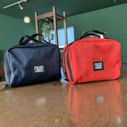snap(スナップ) Dopp Kit(ドップキット) ※旅ならこのフランスメーカーの小物入れ ※豊富な収納 ※メール便88円 ※2021年新モデル