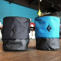 BlackDiamond(ブラックダイヤモンド) Mojo Zip Chalk Bag(モジョジップチョークバッグ) ※ロゴ入りシンプルデザイン ※ジップポケット付き ※メール便88円