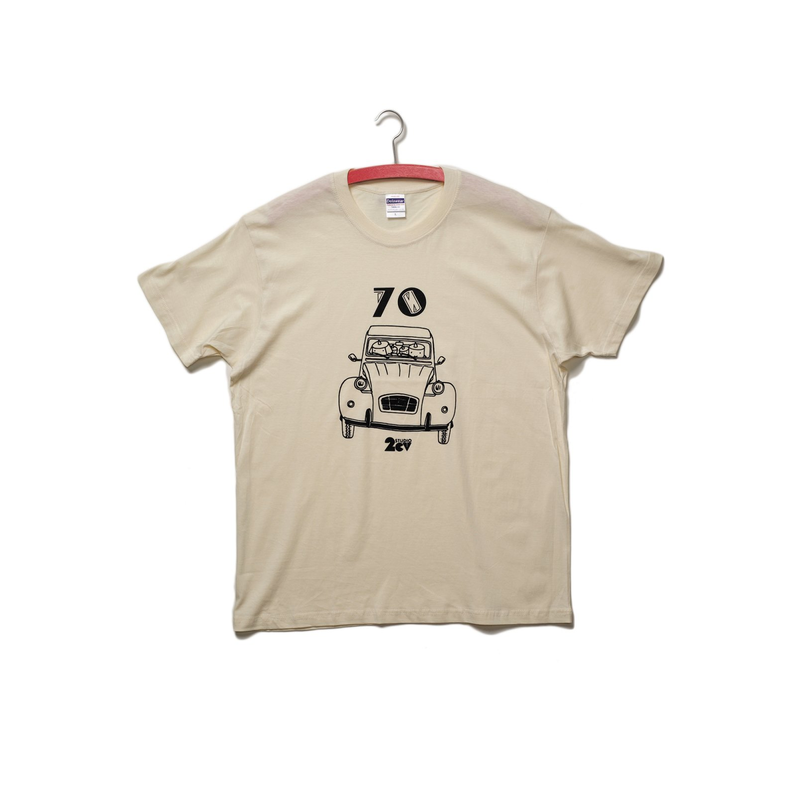 <img class='new_mark_img1' src='https://img.shop-pro.jp/img/new/icons43.gif' style='border:none;display:inline;margin:0px;padding:0px;width:auto;' />2CV 70 T-shirt (natural)